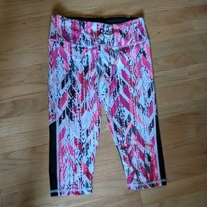 Victoria's Secret Sport Capri leggings, Small